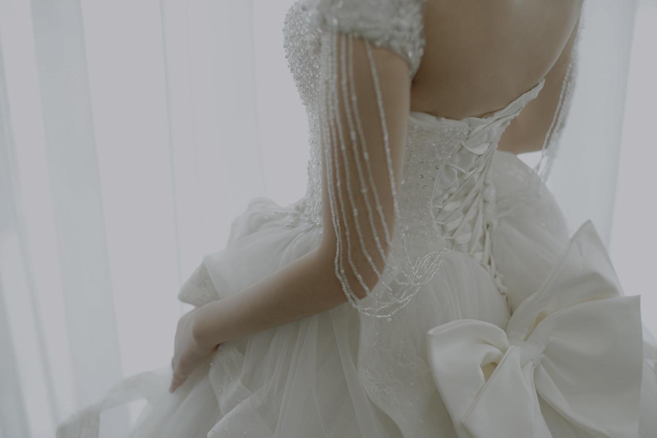 Baju Pengantin Modern Elina Wang Bridal Wedding Gown 8