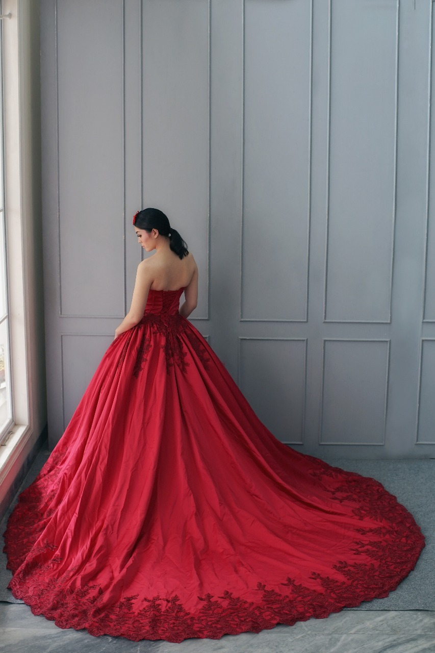 Gaun Prewedding Modern Elina Wang Bridal Prewedding Gown 2